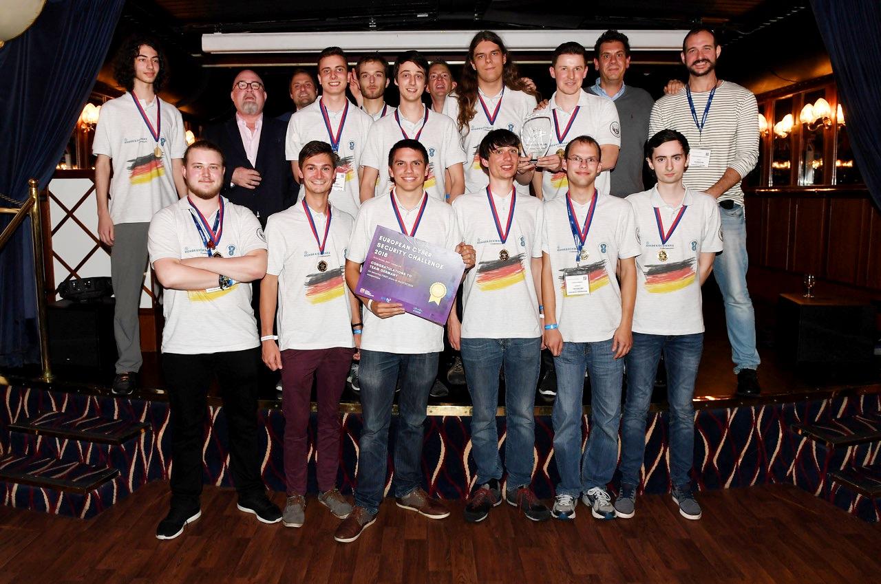 Team-Germany-RiverCruise-Ceremony.jpg